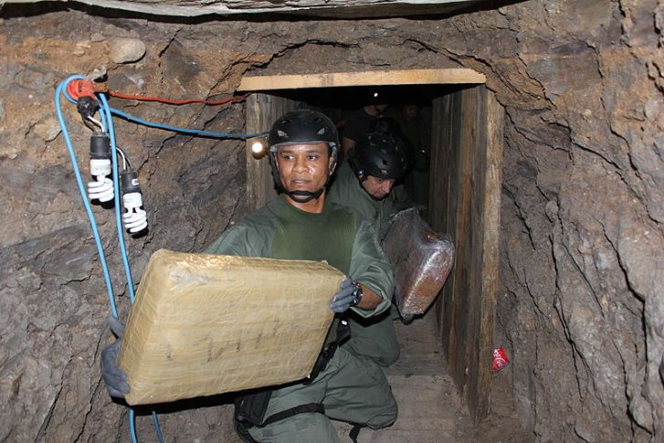 800px-Flickr_-_DVIDSHUB_-_Otay_Mesa_Drug_Tunnel_(Image_4_of_4)