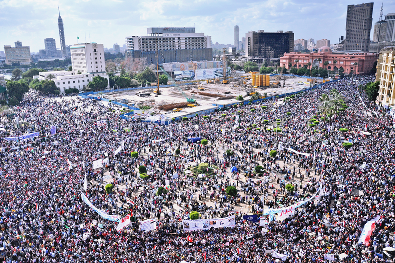 800px-Tahrir_Square_April_8_2011
