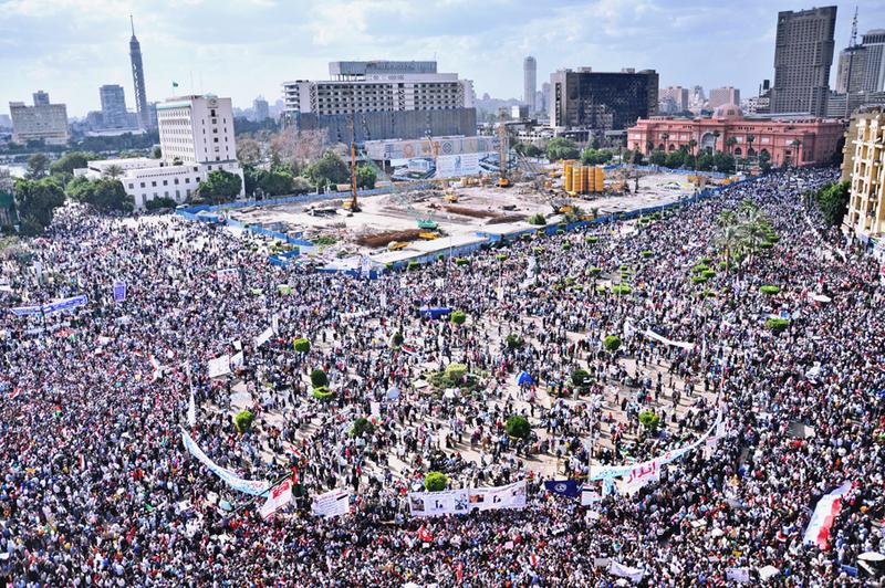 800px-Tahrir_Square_April_8_2011