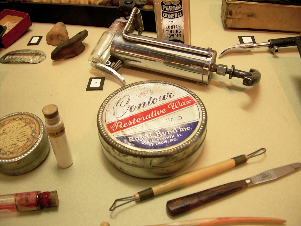 Embalming supplies. Photo byWikimedia Commons
