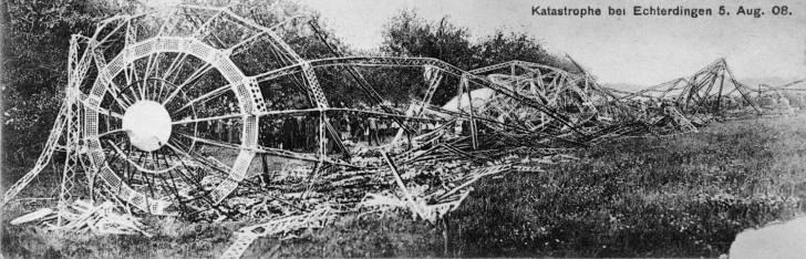 Wreckage of the Zeppelin LZ4 after the crash in Echterdingen. Photo: Wikipedia Commons
