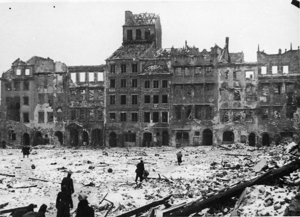 Warsaw after the uprising, 1945. Via Wikimedia Commons