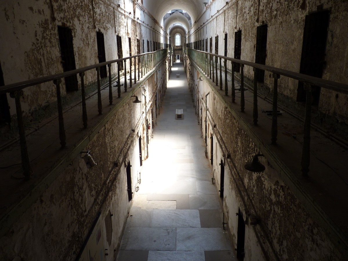 Eastern_State_Penitentiary_-_Cell_blocks_6