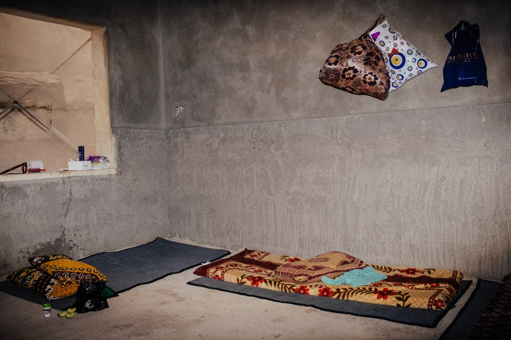 A room in a Yezidi refugee home in Dohuk Photo by: Erin Trieb