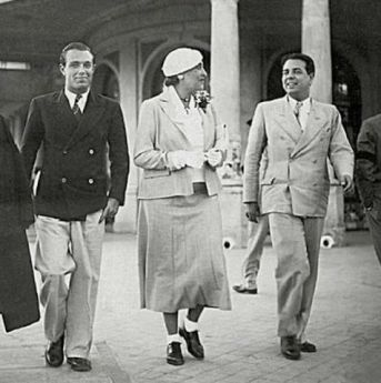 With Adolfo Bioy-Casares (left) and Victoria Ocampo (center) in 1935. Via Wikimedia Commons.