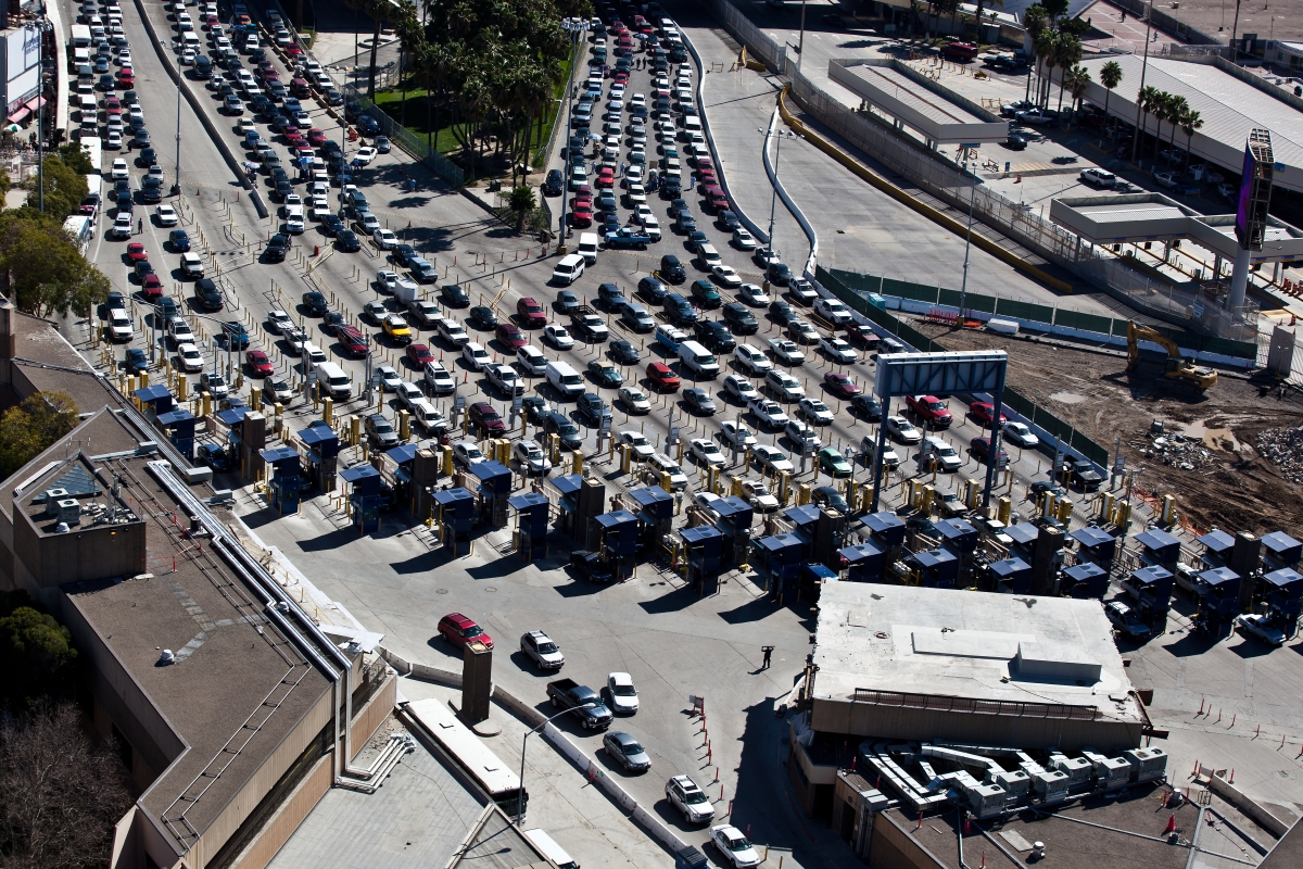 San_Ysidro_Border_Traffic_(8652030335).jpg
